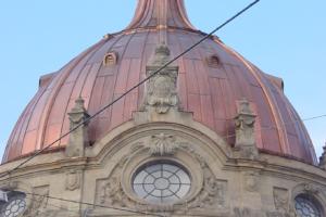 für die Gestaltung der Metalldächer steht Vielfalt an Materialien zur Verfügung